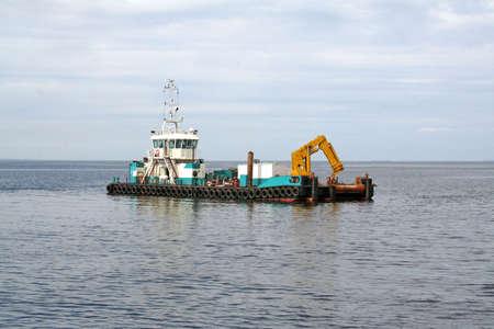 manipulator: ship, crane, manipulator worked on the sea