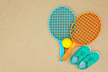 ping pong: Tennis rackets and ball on the table. Ping pong. Top view Foto de archivo