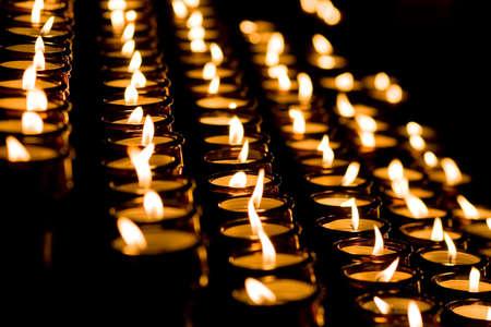 Świecach w kościele Zdjęcie Seryjne