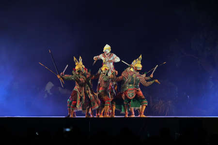 joe louis: pantomime performances in Thailand