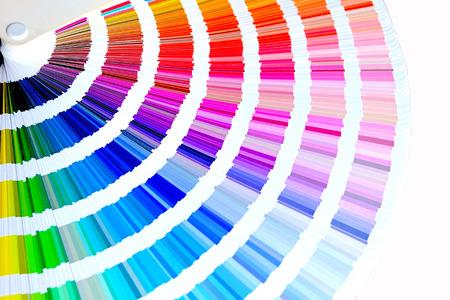 Kleurenpalet, voorbeeldkleurencatalogus, regenboogachtergrond