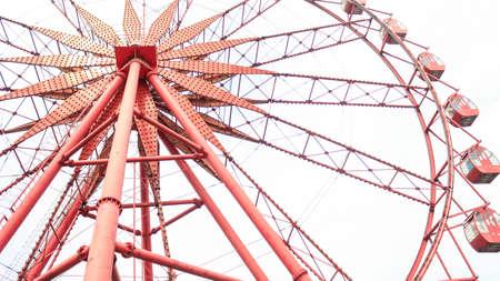 gules: Red Sky Wheel Stock Photo