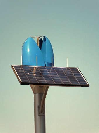 ソーラー パネルと風力発電の生成 写真素材 - 12539078
