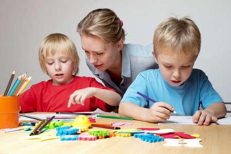 elementary school: Drawing lesson in an elementary school