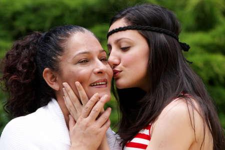 madre e hija adolescente: Madre e hija contra la naturaleza