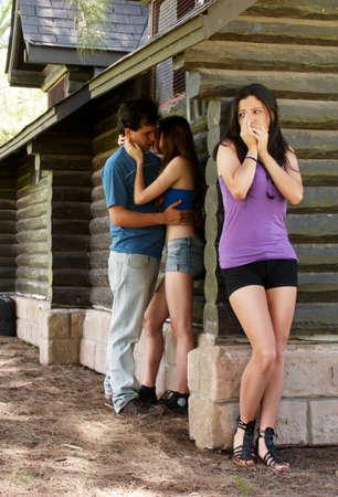 Dziewczynka znaleźć najlepszych dziewczyną z guy Zdjęcie Seryjne