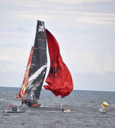 Volvo Ocean Race. Alicante Bay, Spain. Taking and adventage for spinaker maniobre. Alicante, Spain. October 2.011 Editorial