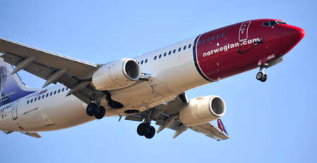 boeing 737 company air norwegian takes arrivals to the airport of Alicante, Spain 30 September 2.012