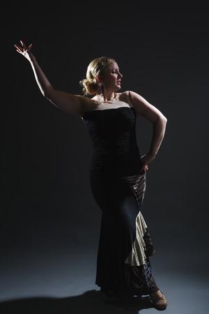 danseuse de flamenco: Danseuse de flamenco finlandaise en studio