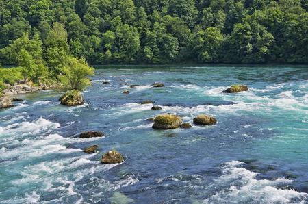 라인 강, Schaffhausen, 스위스 상류 급류와 강 풍경.
