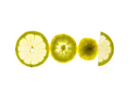 Plakjes citroen Geplaatst in de backlight. Stockfoto