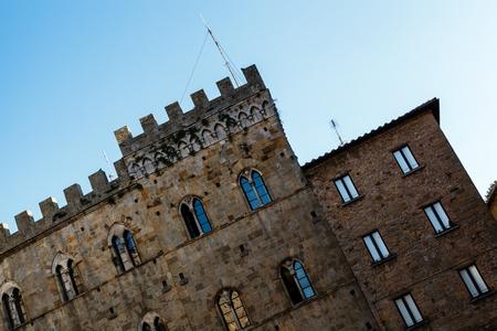 priori: Medievale Palazzo dei Priori a Volterra, in Toscana