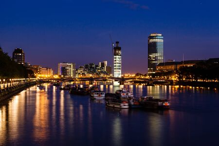 thames: Thames River and London Cityscape in the Night, United Kingdom