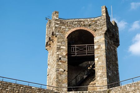 védekező: Defensive Tower in the Castle of Montalcino, Tuscany