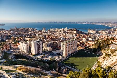 marseille: Luchtfoto van Marseille stad en haar haven, Frankrijk