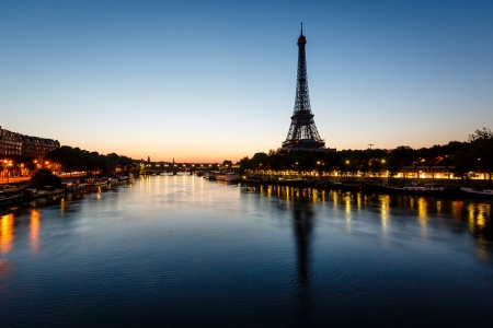 paris at night: Eiffel Tower and d Stock Photo