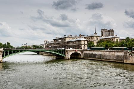 notre dame de paris: Seine River and Notre Dame de Paris Cathedral, Paris, France