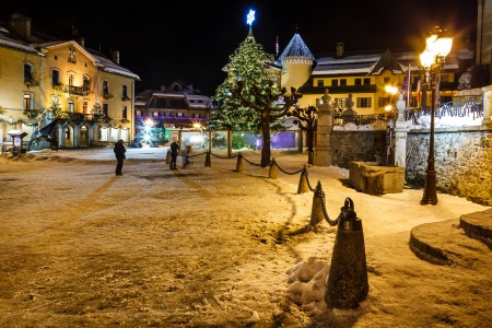 Illuminated Central Square of Megeve on Christmas Eve, French Alps, France Banco de Imagens