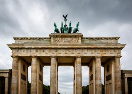 brandenburg: Quadriga on Top of the Brandenburger Tor  Brandenburg Gate  in Berlin, Germany