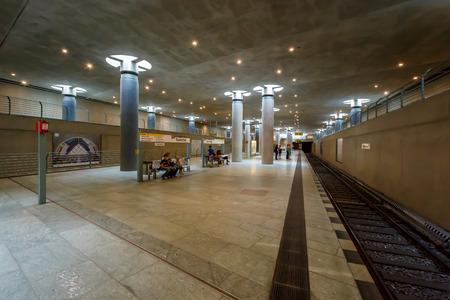 ベルリン - 8 月 24 日合計 151 の長さを追跡、Bundestag 地下鉄 U バーン駅 2013 年 8 月 24 日にベルリン、ドイツ、ベルリン U-bahn の 1902 年に開かれ、10 行 報道画像