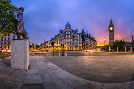 queen elizabeth: Panorama of Parliament Square and Queen Elizabeth Tower in London, United Kingdom