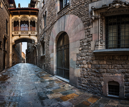 Barri Gothic Quarter and Bridge of Sighs in Barcelona, Catalonia, Spain Banco de Imagens