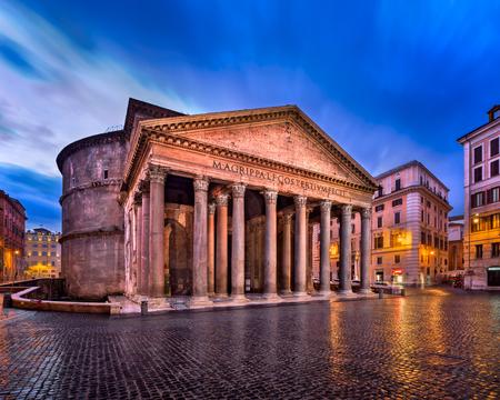판테온 및 피아자 델라 Rotonda 아침, 로마, 이탈리아