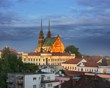 聖人聖堂ピーターと夕方には、チェコ共和国、ブルノ、ポール 写真素材