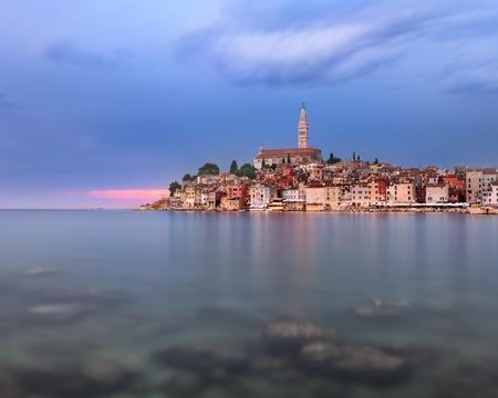 夕方には、イストリア半島、クロアチア ロヴィニ スカイライン