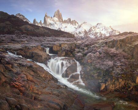 Panorama of Rio De la Cascada and Fitz Roy in the Morning, Los Glaciares National Park, Argentina Imagens
