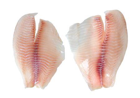 poisson filet de tilapia isolé sur fond blanc