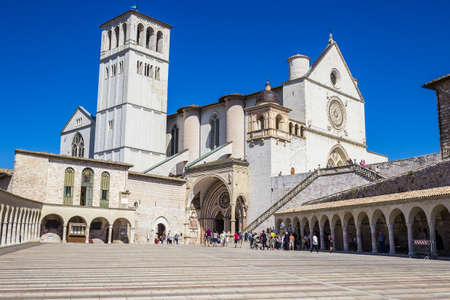 of assisi: ASSISI, ITALY - SEPTEMBER 4, 2016: Basilica di San Francesco in Assisi, Italy