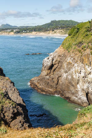 Oregon Coast landscape with Cliffs and Pacific Ocean. Yaquina Bay Coastline, USA 版權商用圖片