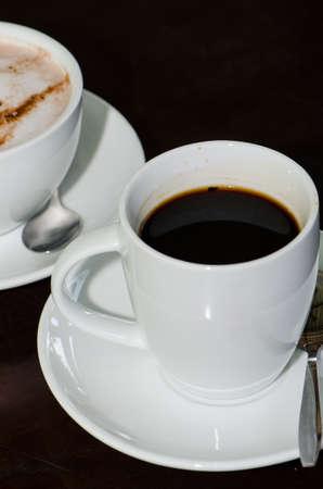 get ready: Tazza di caff� e tazza coco caldo si preparano