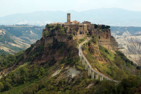 umbria: Civita di Bagnoregio is a town in the Province of Viterbo in Central Italy, a frazione of the comune of Bagnoregio