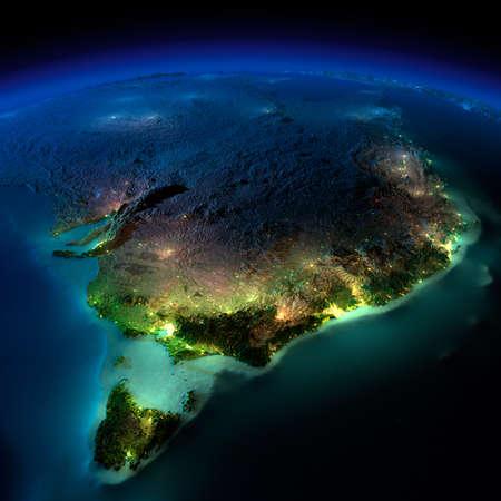 Zeer gedetailleerde aarde, verlicht door het maanlicht. De gloed van steden werpt licht op de gedetailleerde overdreven terrein en doorschijnende water van de oceanen. Elementen van deze afbeelding geleverd door NASA
