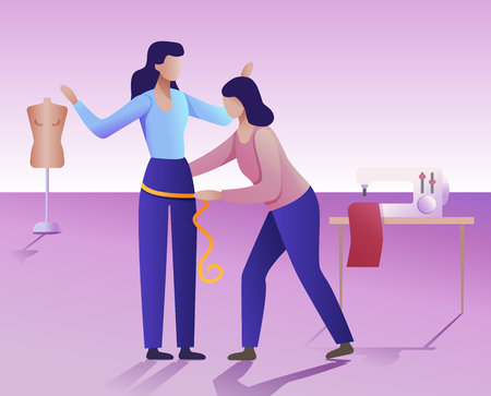 Konzept der Bekleidungswerkstatt. Ein Schneider macht die Körpermaße einer Frau.