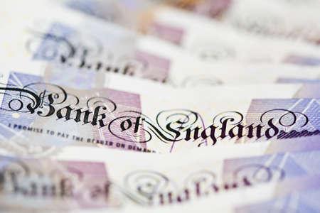 libra esterlina: Primer en el Banco de Inglaterra texto en nota británica de veinte libras, profundidad de campo