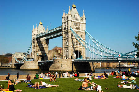 Tower Bridge London an einem sch�nen Tag
