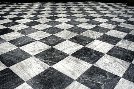 marble flooring: Modello di pavimento in marmo bianco e nero checquered