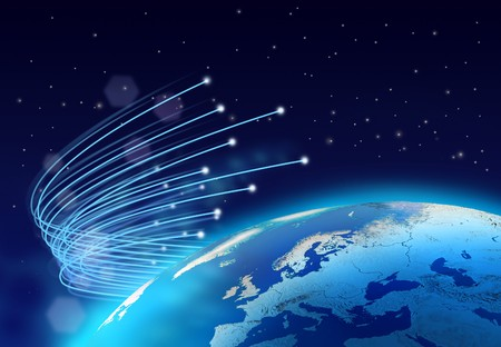 fibra �ptica: Velocidad de internet de fibra �ptica alrededor de planeta azul, espacio oscuro de fondo
