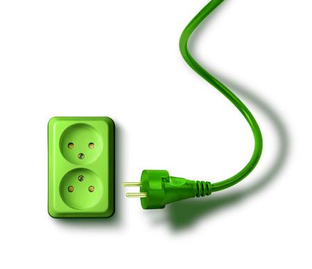 enchufe: Toma de corriente verde y enchufes eco concepto de energía renovable