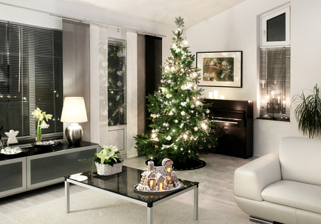 White style modern Christmas living room Xmas tree 版權商用圖片