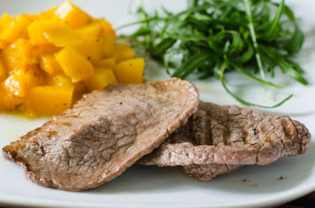 ruccola: Grilled meat with pumpkin and ruccola