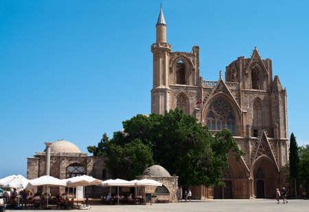 turks: Lala Mustafa Pasha mezquita en el Chipre de Norte ocupada por los turcos, Famagusta