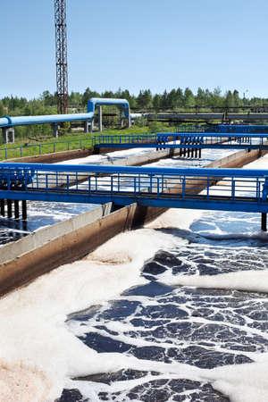 abwasser: Wasserwiederaufbereitung auf Abwasser-Behandlung-station Lizenzfreie Bilder
