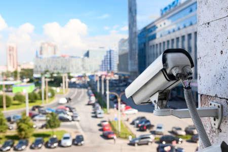 Video camera's voor toezicht op straat Stockfoto