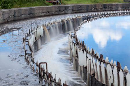 Water cleaning in settlers at wastewater treatment plant Standard-Bild