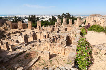 General view of Antonine Baths in Carthage from hill. Archaeological site. Tunisia, Africa Standard-Bild - 119431598