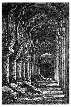 Victorian engraving of Thirumalai Nayak Palace, Madurai, India. Digitally restored image from a mid-19th century Encyclopaedia. Imagens - 42498610